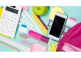 Запрет смартфонов в школах: в министерстве ответили на рассылку
