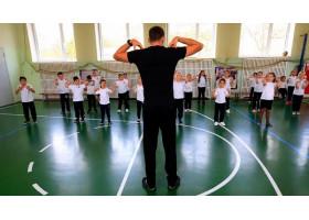 С 1 января 2021 года учителям по физкультуре сделали надбавку за дополнительные занятия